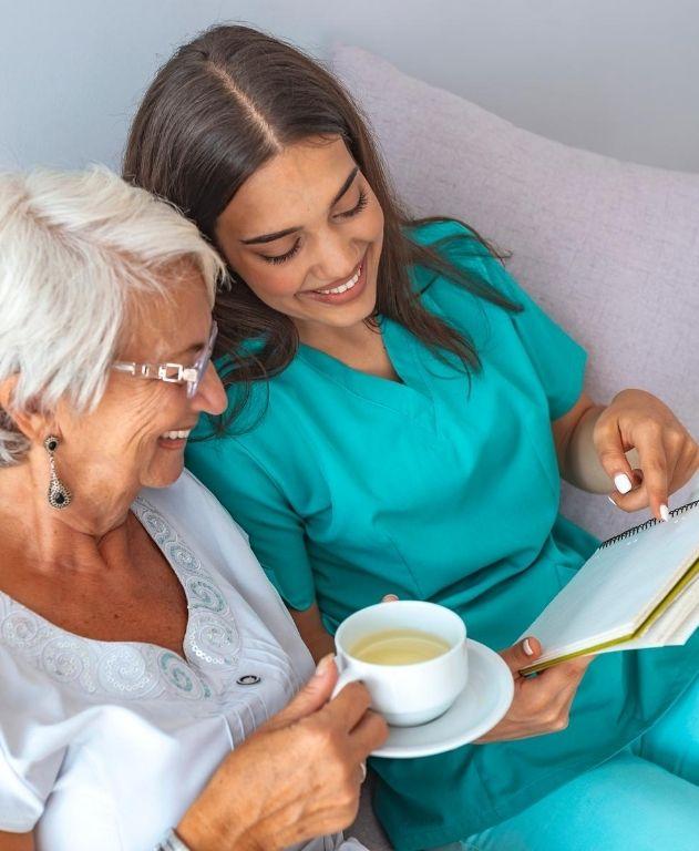 atención médica para adulto mayor