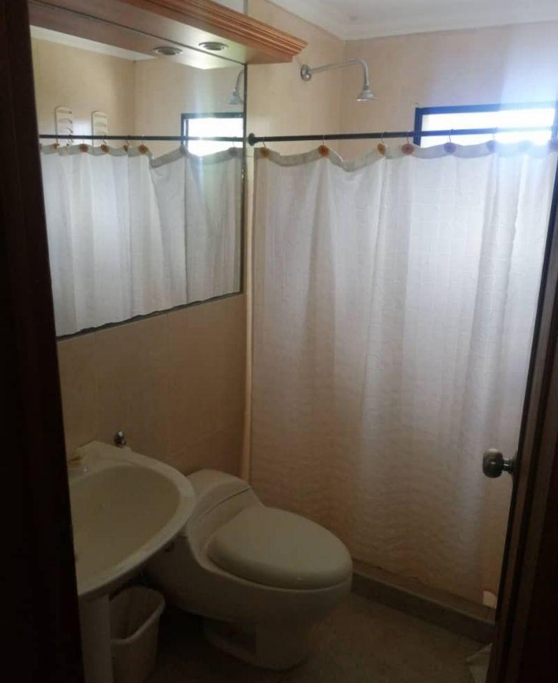 baño pregonera estilizado con regadera