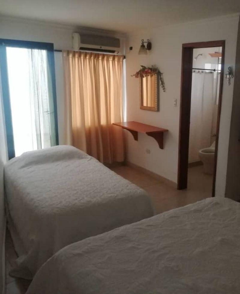 confortable habitación para adulto mayor posada en san cristóbal. paula
